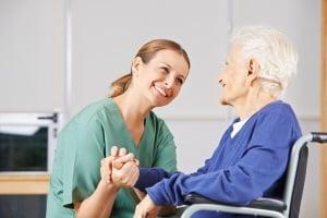 Wichtig, wenn Sie im Test Elektromobile für Senioren oder für Menschen mit Behinderung suchen: Was übernimmt die Krankenkasse?