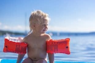 Ein Wasserball sollte schadstofffrei sein, vor allem, wenn dieser für Kinder vorgesehen ist.