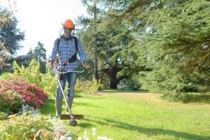 Benzin-Rasentrimmer kaufen: Ihr Testsieger sollte den Anforderungen Ihres Gartens gewachsen sein.