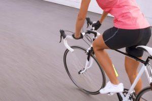 Beste Radunterhose für Damen & Herren mit Sitzpolster: Test-Fahrten sind dank Polster besonders bequem.