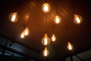 Energieeffizienter als eine normale Lampe ist eine LED-Solarleuchte für den Garten. In Ihrem Test werden Sie den Unterschied bemerken.