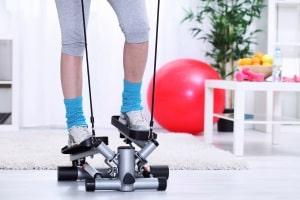 Einen Swing- oder Twist-Stepper einem Test zu unterziehen, kann sich positiv auf Ihre Fitness auswirken.