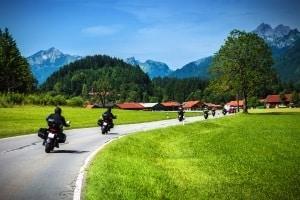 Bluetooth-Headset oder Gegensprechanlage: Motorrad-Fahrer sollten Test-Fahrten unternehmen, um die Qualität zu vergleichen.