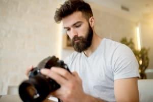 Wenn Sie ein Kartenlesegerät kaufen, können Sie Fotos bequem auf Ihren Computer übertragen.