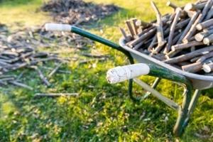 Bevor Sie einen Häcksler mit Walze in Ihren Test aufnehmen, sollten Sie sichergehen, dass dieser für Ihre Gartenabfälle geeignet ist.