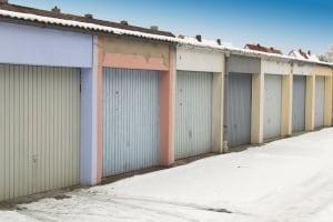 Alternative zur fest verbauten Garage: eine Zeltgarage. Im Test werden verschiedene Kriterien überprüft.
