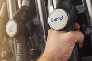 Wenn Sie eine Standheizung mit Diesel einem Test unterziehen, dürfen Sie das Nachtanken nicht vergessen.