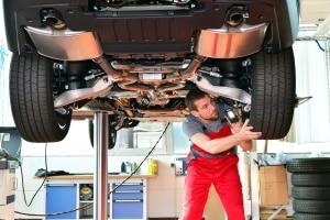 Bremsentlüftungsgerät: Ein Test in kann Sie über gute Geräte informieren.