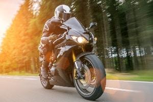 Funktionsunterwäsche: Ein Test auf dem Motorrad kann bei der Auswahl helfen.