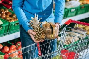 Zum Transport Ihrer täglichen Einkäufe sollten Sie besser eine kleinere Klappbox kaufen, die weniger wiegt.