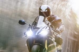 Achten Sie darauf, dass die Motorradspiegel in Ihrem Test die gesetzlichen Bestimmungen erfüllen.