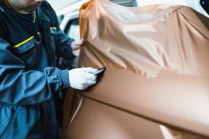 Die beste Car-Wrapping-Folie nützt gar nichts, wenn sie falsch aufgetragen wird.